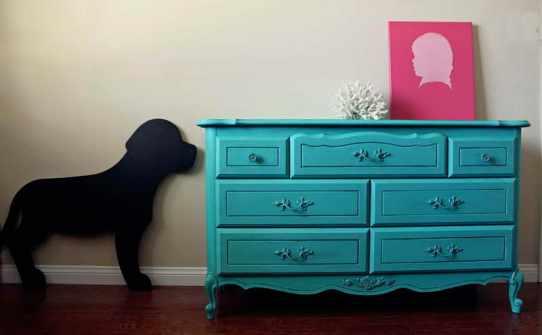 C mo pintar muebles barnizados recicla tus muebles for Pintar muebles barnizados