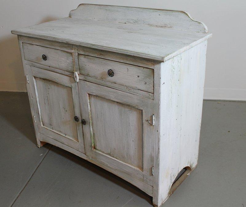 C mo envejecer muebles recicla tus muebles - Como colocar un espejo encima de un aparador ...