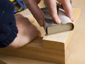 Como-lijar-la-madera-470x352