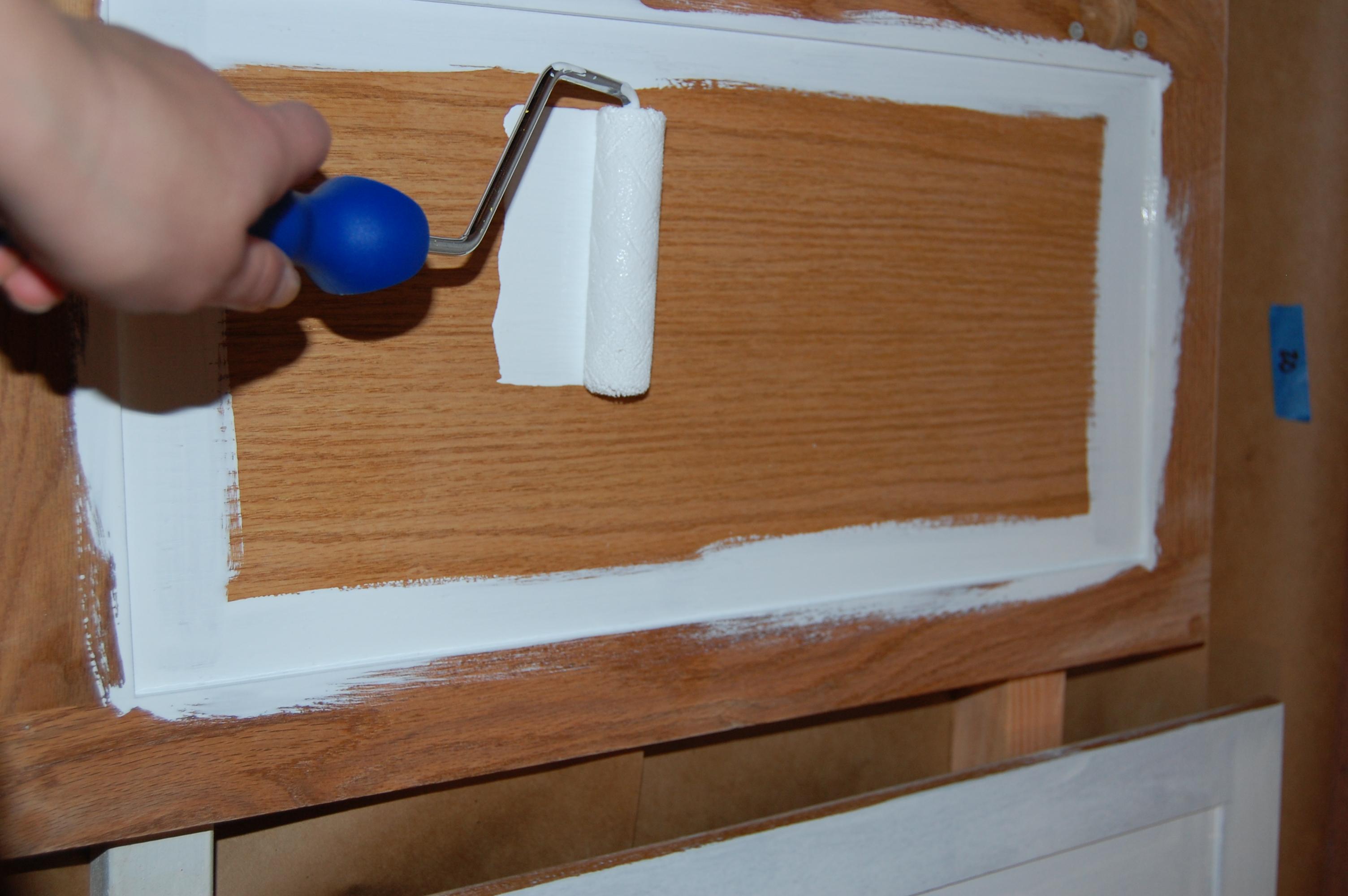 Pintar muebles de cocina recicla tus muebles - Como lacar un mueble de madera ...