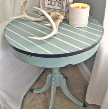 Renovar una mesita velador con pintura recicla tus muebles - Mesas pintadas a la tiza ...