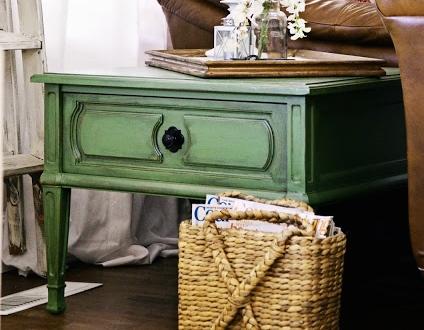 renovar-una-mesa-con-pintura-verde
