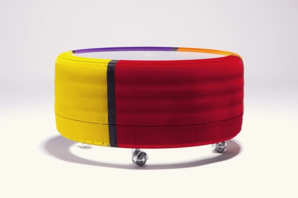 Amazing-Tire-table-from-tavomatico