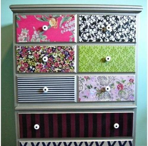 Papel pintado para renovar muebles recicla tus muebles for Retales papel pintado