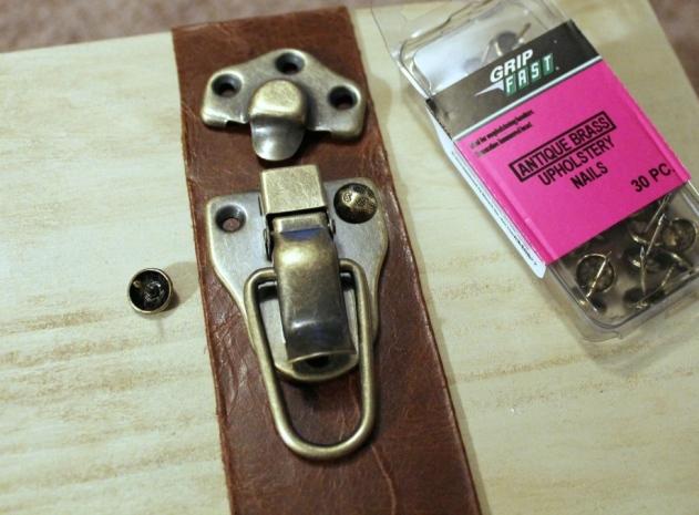 IMG_4675-suitcase-dresser-leather-hardware-1024x834