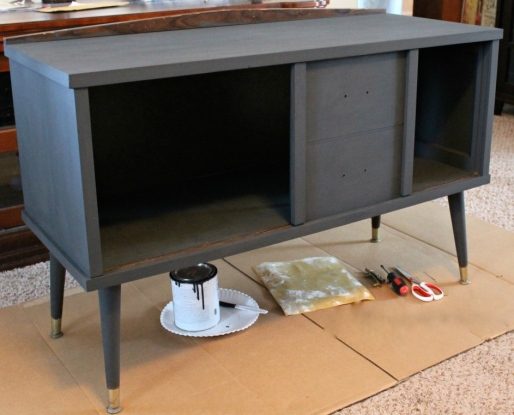 IMG_2338-midcentury-table-makeover-black-gold-graphite-chalk-paint-1024x786