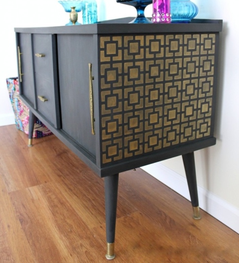 IMG_2344-midcentury-table-makeover-gold-graphite-chalk-paint-stencil-706x1024