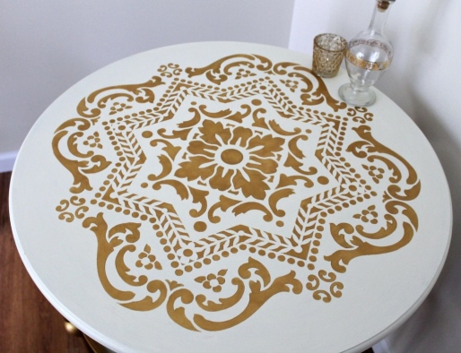 IMG_3905-gold-white-table-makeover-stenciled-top-1024x875