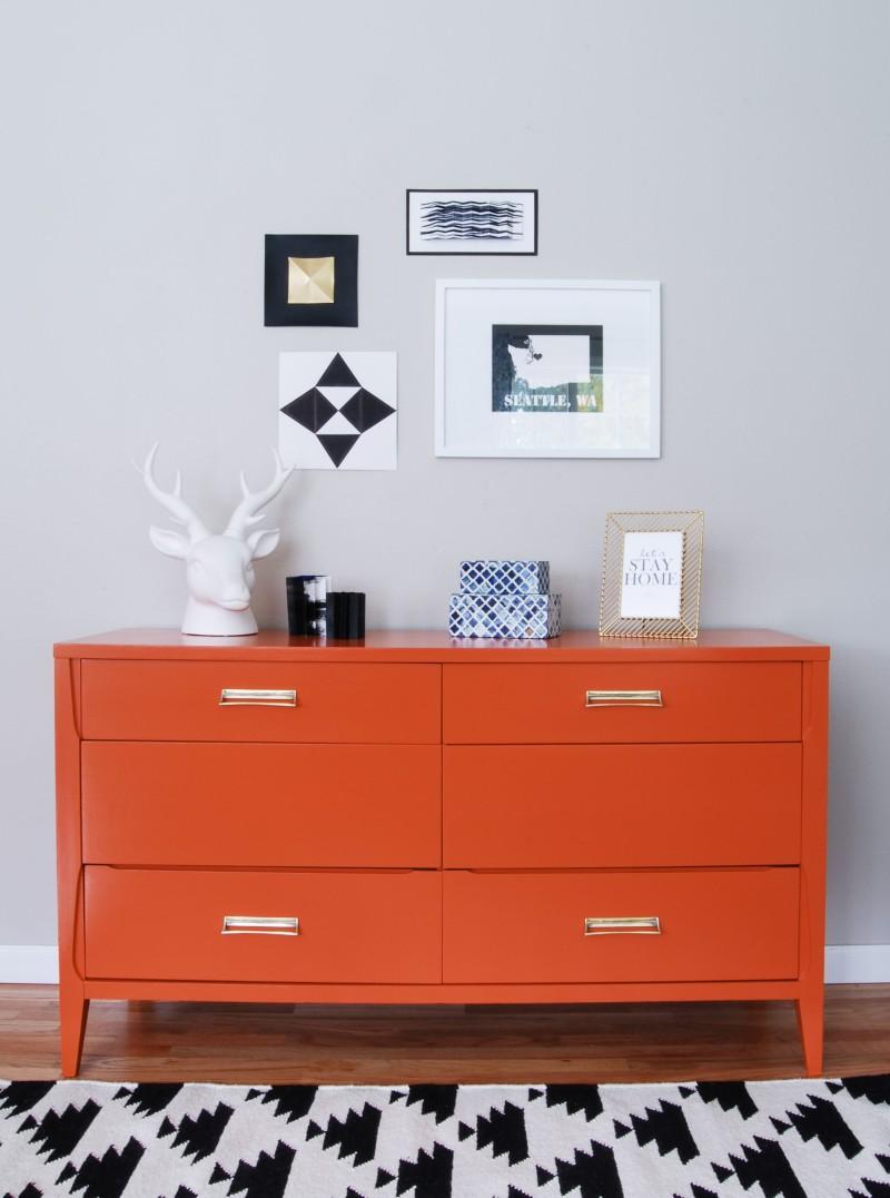 Pintar un mueble de color naranja recicla tus muebles - Pintar muebles de colores ...