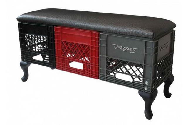 Muebles con cajas de pl stico recicla tus muebles for Muebles de plastico para exterior