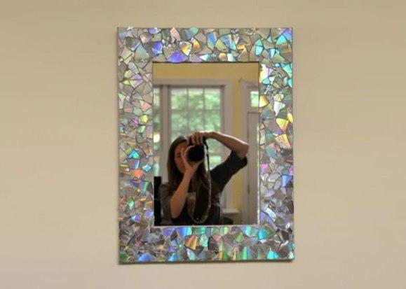 moldura_para_espelhos_em_mosaico_com_cds_Reciclar-CDs-600x429