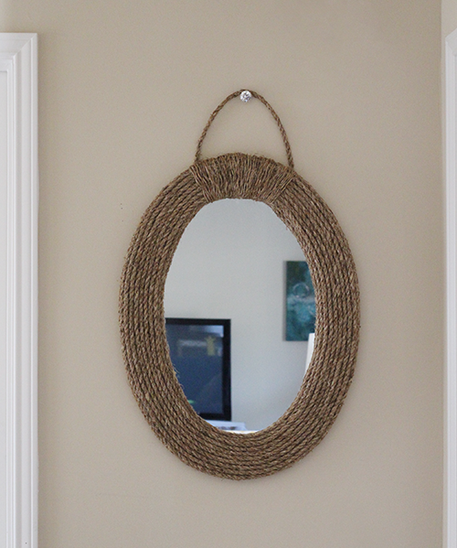diy-nautical-mirror-hanging-from-knob-upcycledtreasures