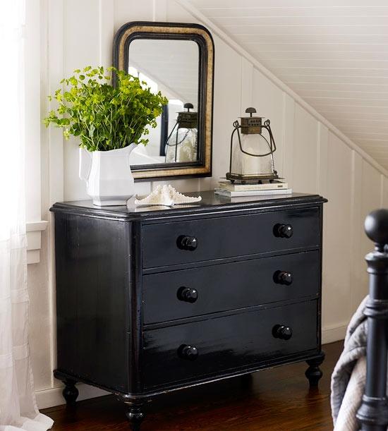 Pintar muebles en color negro recicla tus muebles for Pintar mueble barnizado